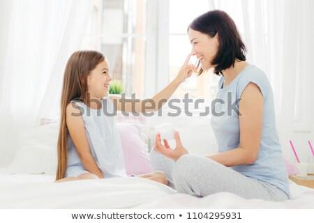 довольно небольшой женщины ребенка весело вместе Сток-фото © vkstudio