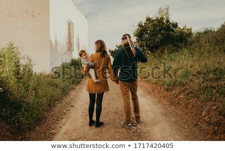 belle · couple · enfants · Retour · regarder - photo stock © get4net