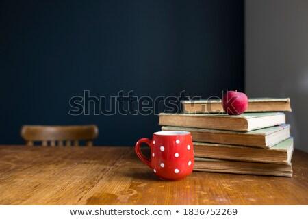 karmakarışık · eski · kitaplar · alt · görmek - stok fotoğraf © sandralise