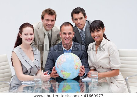 glimlachend · zakenman · wereldbol · kantoor · computer - stockfoto © wavebreak_media