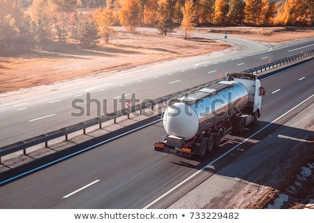 Camion autoroute grand carburant gaz piste Photo stock © franky242