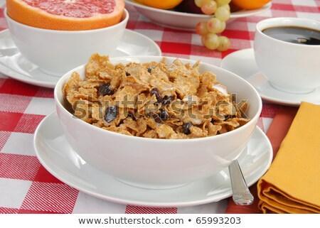 Egészséges reggeli korpapehely rózsaszín grapefruit és szőlő Stock fotó © MSPhotographic