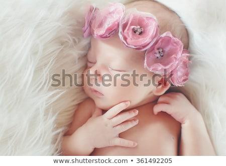 Blumen wenig lächelnd halten Haufen Stock foto © Soleil