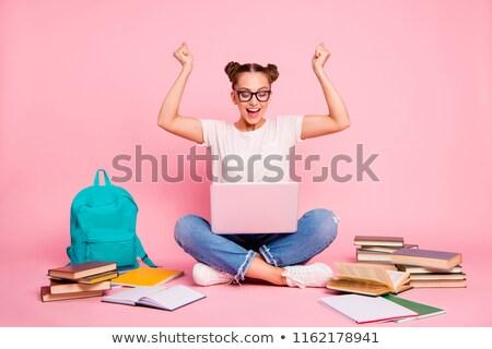 Młoda dziewczyna studia badanie młodych dziewcząt brązowe włosy Zdjęcia stock © davisales