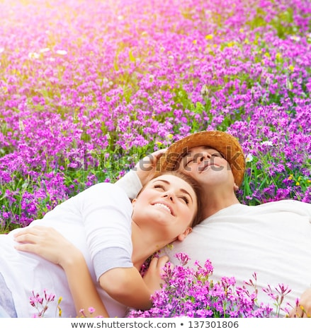Mooie liefde lavendel veld meisje gras Stockfoto © ElenaBatkova