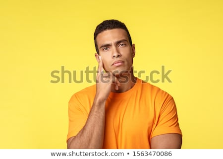 Peinzend knap vent tshirt kijken nadenkend Stockfoto © benzoix