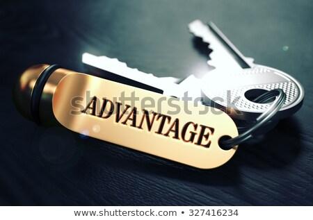 Sleutels woord voordeel gouden label zwarte Stockfoto © tashatuvango