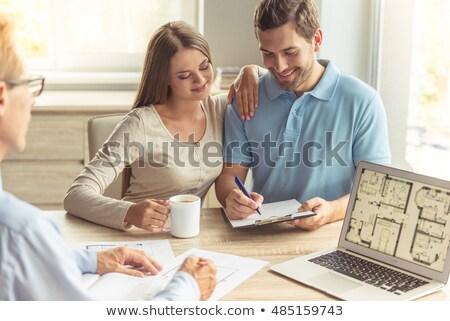 flertar · local · de · trabalho · mulher · homem · escritório · amor - foto stock © lightfieldstudios