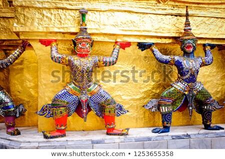Ouro pagode guardião estátua palácio Bangkok Foto stock © happydancing