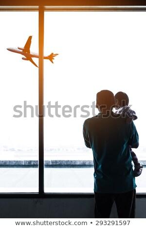 erkek · bakıyor · gökyüzü · havaalanı · küçük · bekleme - stok fotoğraf © annakazimir