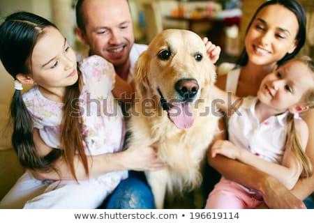 Família animal de estimação jovem asiático menina Foto stock © tab62