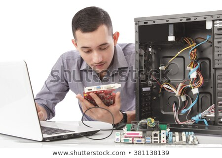 fiatal · számítógép · mérnök · dolgozik · processzor · alkatrészek - stock fotó © wavebreak_media