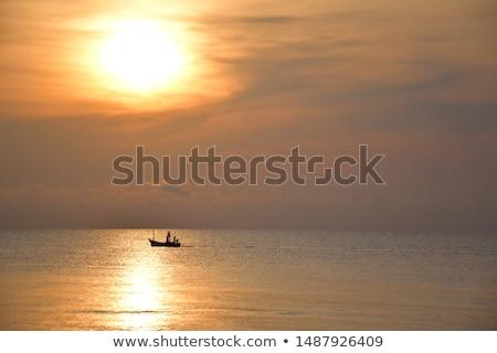 Gündoğumu bekleme plaj güneş Stok fotoğraf © Niciak