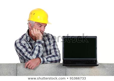 confundirse · constructor · portátil · ordenador · herramientas · trabajador - foto stock © photography33