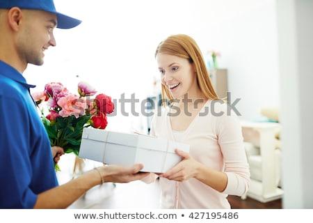 Photo stock: Femme · fleurs · printemps · sourire · travail · Ouvrir · la