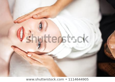 brunette · massage · tabel · spa · vrouw · meisje - stockfoto © wavebreak_media
