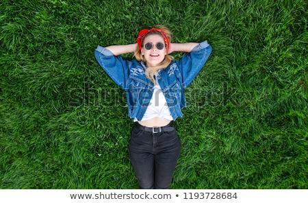 若い女性 · 笑みを浮かべて · 肖像 · 黒人女性 - ストックフォト © elenaphoto