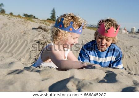 Foto stock: Crianças · papel · jogar · praia · menina