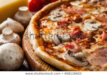 Champignon pizza Rood keuken doek Stockfoto © Melpomene