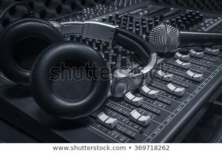 Vintage micrófono sonido mezclador tecnología concierto Foto stock © tungphoto