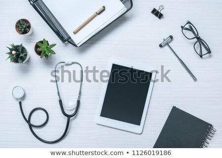 Medische reflex hamer papier gebruikt testen Stockfoto © Hofmeester
