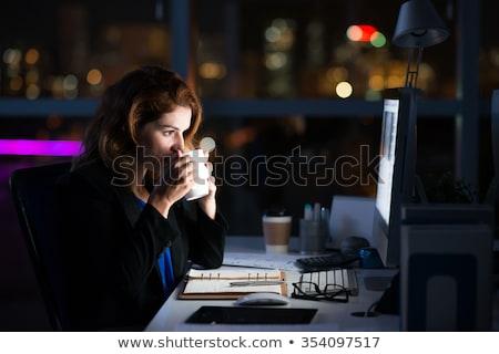 Сток-фото: устал · женщину · рабочих · поздно · ночь · портативного · компьютера