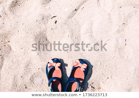 küçük · kız · tatil · sahil · ayakta · plaj · iki - stok fotoğraf © iofoto