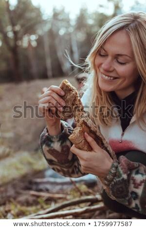 Kobieta bochenek chleba żywności Zdjęcia stock © wavebreak_media