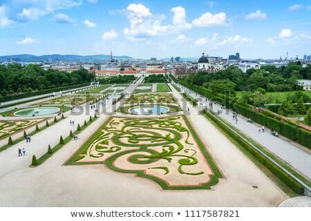 barokk · kastély · Bécs · Ausztria · virágok · épület - stock fotó © tommyandone
