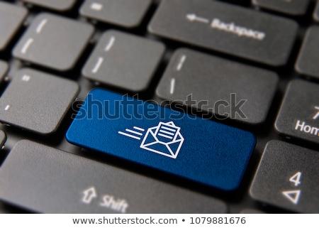 küld · posta · gomb · 3D · laptop · billentyűzet · citromsárga - stock fotó © tashatuvango