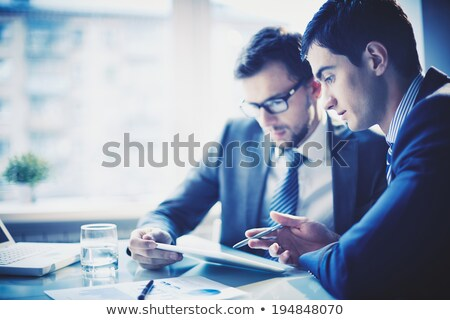 Biznesmen cyfrowe tabletka kolega biuro Zdjęcia stock © wavebreak_media