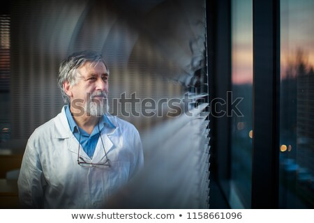 Kıdemli kimya profesör sınıf pencere bakıyor Stok fotoğraf © lightpoet