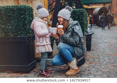 Család étel ital karácsony piac élvezi Stock fotó © Kzenon