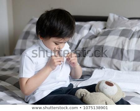 肖像 無邪気な 少年 座って ベッド ホーム ストックフォト © wavebreak_media