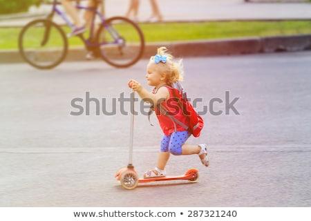 Blijde meisje paardrijden kind glimlachend Stockfoto © liolle