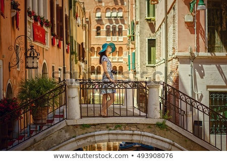 Mooie jonge vrouw ontspannen Venetië vrouw meisje Stockfoto © Nejron