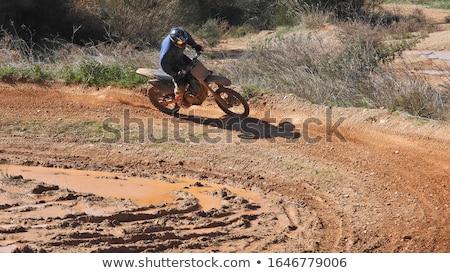 Sivatag motorkerékpár út férfi sport homok Stock fotó © OleksandrO