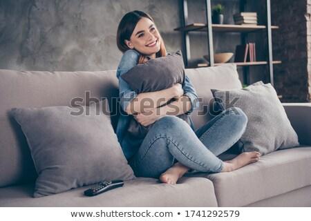 vrolijk · vrouw · kussen · bed · meisje - stockfoto © dash