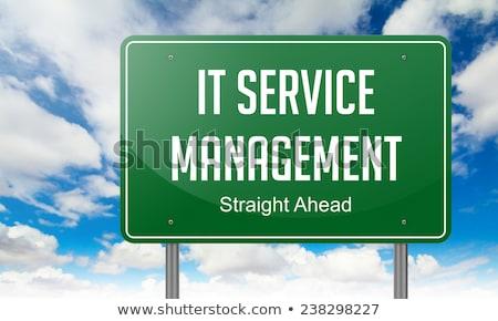 Usługi zarządzania zielone autostrady kierunkowskaz niebo Zdjęcia stock © tashatuvango