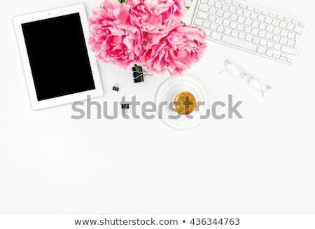 Kobiecy biuro pracy zaopatrywać różowy Zdjęcia stock © YuliyaGontar