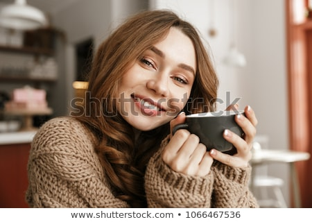 Porträt zufrieden Frau gestrickt Pullover Stock foto © deandrobot