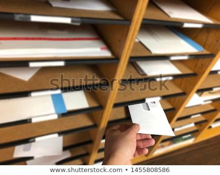 Affaires enveloppe lettre bois table en bois Photo stock © snowing