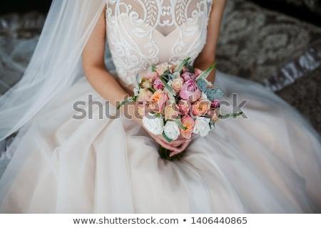 Braut Hochzeitskleid Bräutigam Bouquet Blumen Grüns Stock foto © Illia