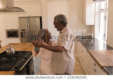 Oldalnézet aktív afroamerikai idős pár tánc konyha Stock fotó © wavebreak_media