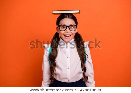 Zdjęcia stock: Brunetka · okulary · przeczytać · książki · kobieta · dziewczyna