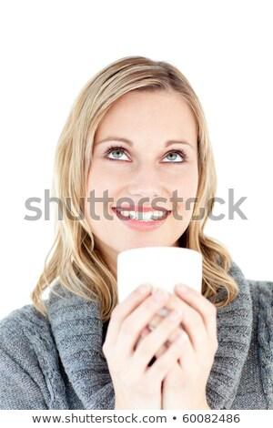 glimlachende · vrouw · genieten · hot · koffie · permanente · witte - stockfoto © wavebreak_media