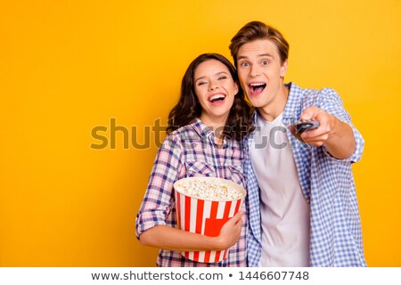 男 を見て テレビ 女性 テレビ ホーム ストックフォト © ambro