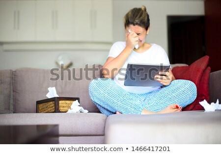 Smutne kobieta oglądania film Zdjęcia stock © dashapetrenko