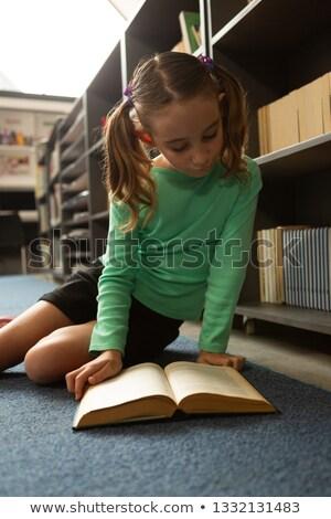 Vorderseite Ansicht smart Schülerin Sitzung Stock foto © wavebreak_media