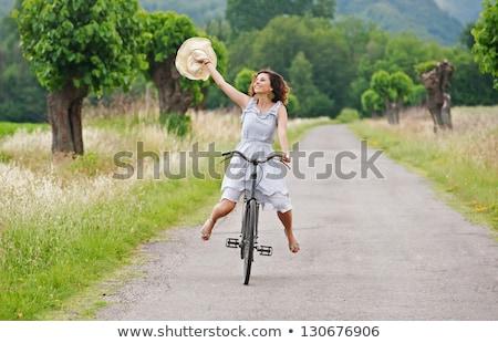 bastante · menina · seis · equitação · bicicleta · rua - foto stock © master1305